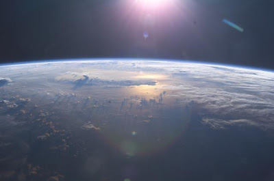 earth_orbit_sunrise_2